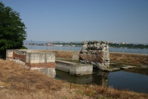 Kostol-Pontes foundation of Roman bridge across the Danube (Nemanja Mrdic)